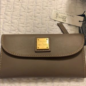 Dooney & Bourke Wallet - gray hue - Brand New!